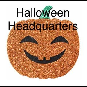 Costumes Selling Fast Halloween Headquarters